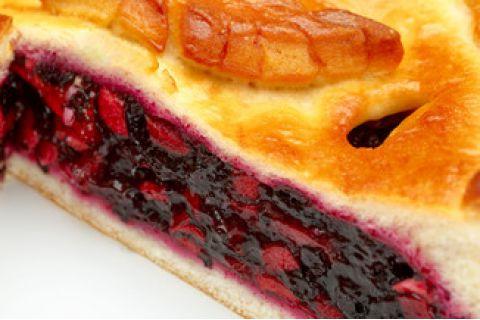 Пирог с яблоком и черникой